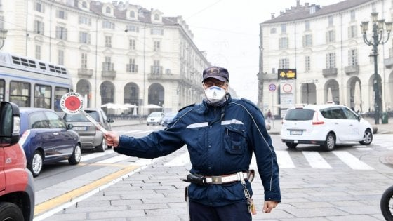 Torino, il vento non basta: resta il blocco antismog fino a lunedì