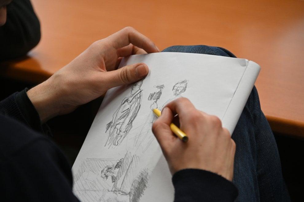 Appello Foodora, il rider artista disegna l'aula e la corte