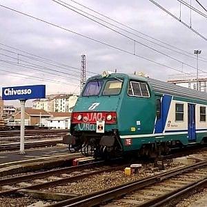 Travolto dal treno in stazione o a Chivasso, interrotta la ferrovia Torino-Milano