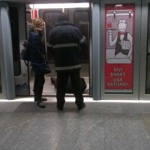 Torino, metrò bloccata per un malore di un passeggero