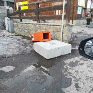 Sestriere, abbattuto dai vandali l'autovelox nella via principale