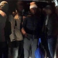 Migranti fermati alla frontiera del Monte Bianco, in 26 stipati nel vano di un furgone
