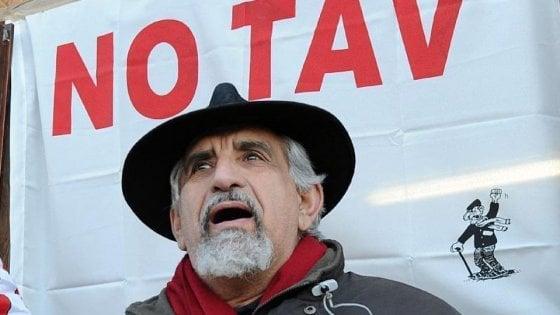 """Minacce su Twitter al leader No Tav, assolto chi scrisse: """"Perino muori sotto il Tgv"""""""