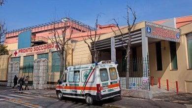 Troppo tardi per andare in sala operatoria: paziente operato al cuore ancora in barella