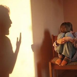Torino, arrestate due maestre di asilo nido per maltrattamenti sui bambini