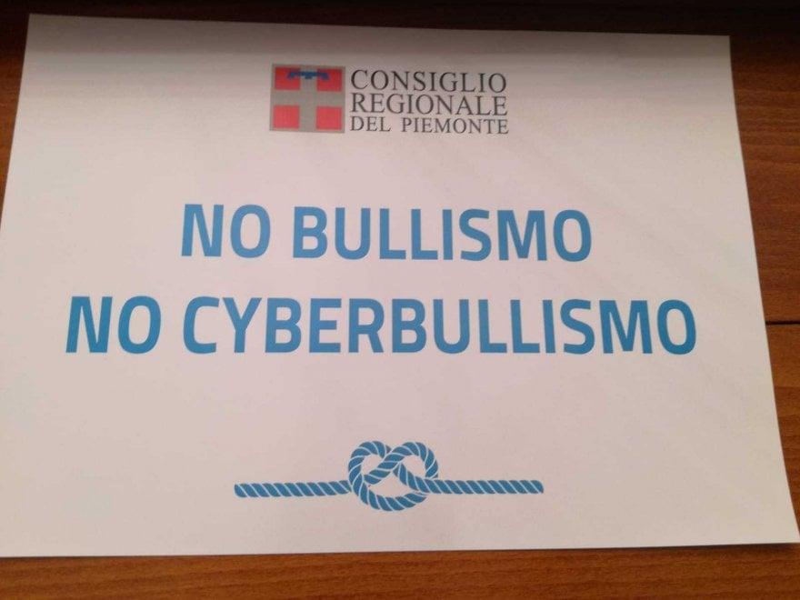 Consiglio regionale, una giornata per le vittime del cyberbullismo