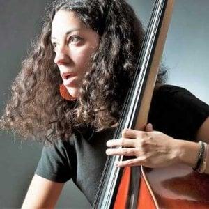 Dischirotti sul palco del Jazz Club, Il contrabbasso pop di Rosa Brunello