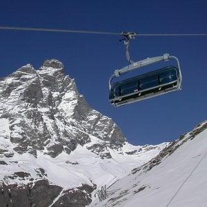 Seggiovia si blocca a Cervinia, 30 sciatori salvati dal soccorso alpino