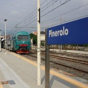 Treno investe un uomo, traffico bloccato sulla Torino e Pinerolo