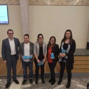 Torino, occhiali intelligenti per non usare i tablet in magazzino: i campioni del concorso Amazon