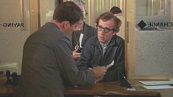 Acqui Terme, aspetta il suo turno in coda e poi rapina l'ufficio postale