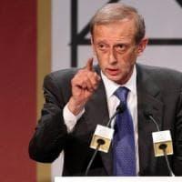 Incidente stradale in Toscana per l'ex sindaco Fassino, frattura dello sterno
