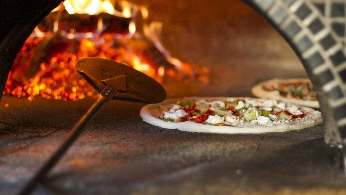 Quattro lavoratori in nero nella pizzeria di mathi uno for Regolarizzare badante senza permesso di soggiorno