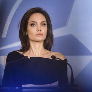Tumori, Angelina Jolie ha fatto scuola: a Torino studio su 200 donne sottoposte a mastectomia preventiva