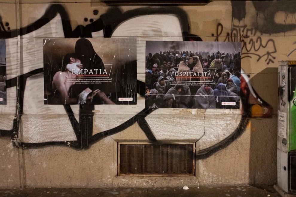 Torino, a San Salvario compaiono misteriosi manifesti su liberta, civiltà, speranza