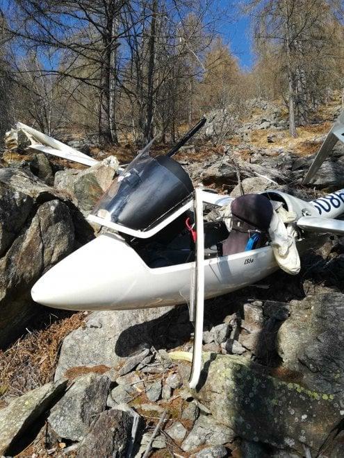 L'aliante si schianta al Col del Lys, salvo il pilota