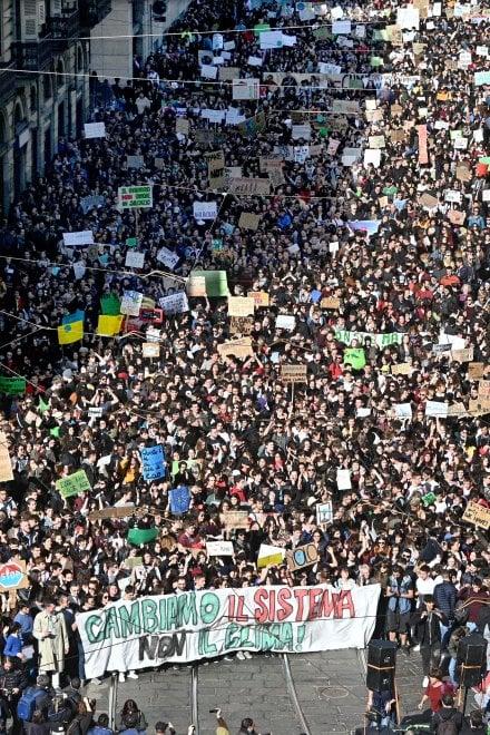 Torino, che belle facce al  corteo per salvare il clima
