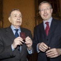 Torino, lo storico Castronovo diventa giornalista: