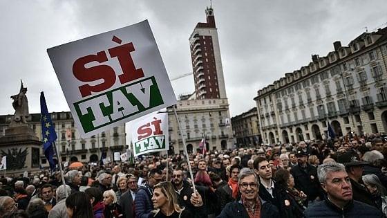 """Tav, il 6 aprile in piazza anche imprese e sindacati con """"madamine"""" e associazioni"""