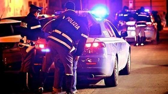 Suv non si ferma all'alt, inseguimento con la polizia in pieno centro di Torino