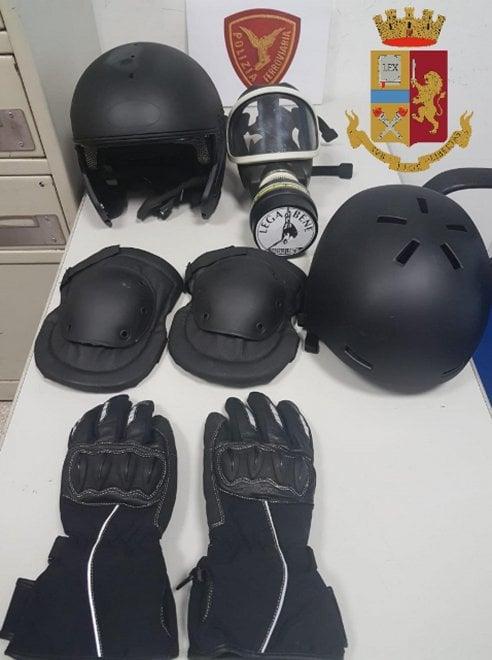 Il materiale sequestrato agli arrestati