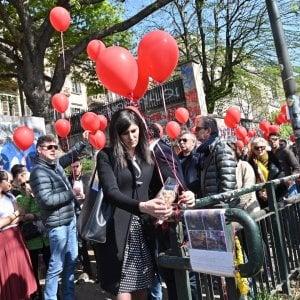 """Torino: """"Fate luce sull'omicidio di Stefano"""": anche la sindaca alla marcia sui luoghi del delitto"""