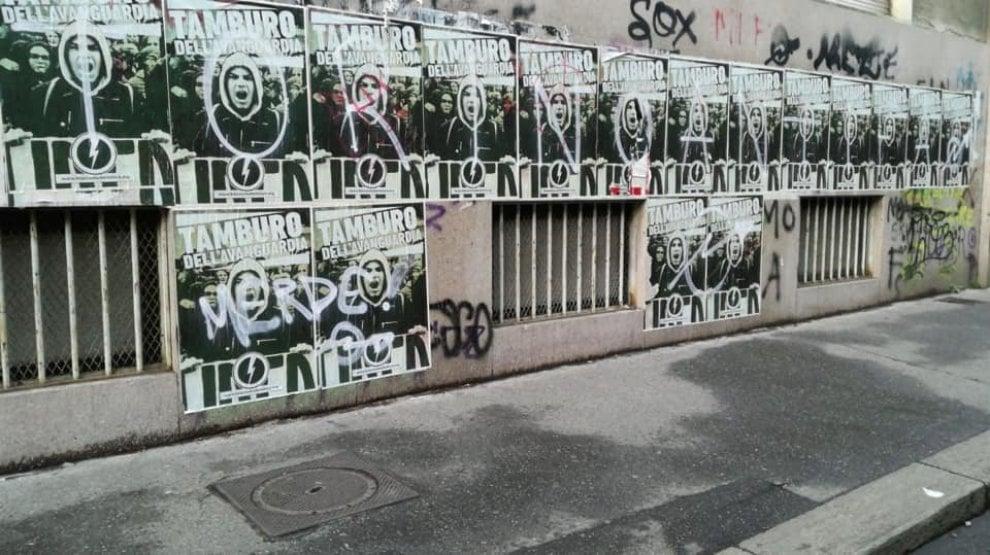 Gli studenti del Galfer puliscono i muri del liceo dai manifesti neofascisti