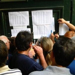 Pagavano fino a 15 mila euro per un diploma falso che aprisse le porte della scuola pubblica