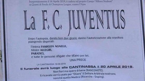 Manifesti funebri per la Juve fuori dalla Champions: sindaco del Vercellese li fa togliere