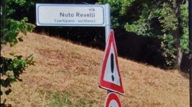 Cuneo, lite sulla via dedicata allo scrittore partigiano cancellata: