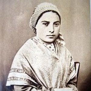 Parte da Alessandria il pellegrinaggio delle reliquie di Bernardette, la santa di Lourdes