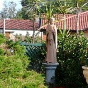"""Il parroco denuncia un furto """"satanico"""" ma la statua della Madonna era solo stata spostata"""