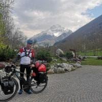 Da La Spezia al Monte Bianco, 2500 chilometri in bici del candidato in cerca