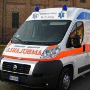 Torino, senza assicurazione e patente  fugge in moto dalla polizia, si schianta e muore