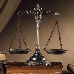 Torino avvocati in difficoltà, l'effetto della crisi sui grandi studi legali cittadini