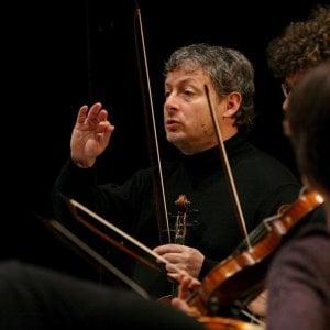 Il violino di Biondi per Majer, Lingue in scena