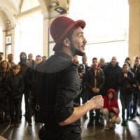 A Torino i maghi di strada si sfidano in centro per il titolo di campione