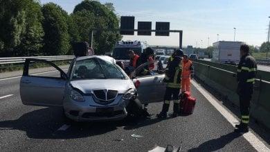 Tangenziale nord, incidente  coinvolge tre auto, lunghe code