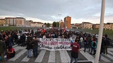 Tensioni in San Donato tra antagonisti  e Forza Nuova: cinquecento in piazza