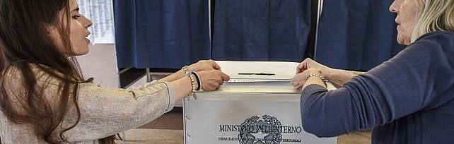 Elezioni in Piemonte, a Torino mancano scrutatori: scatta la ricerca via Facebook