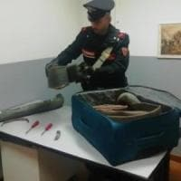 Tentano di rubare le grondaie di fronte a una sede elettorale, arrestati