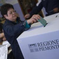 Tre milioni e mezzo alle urne: alle 19 ha votato il 49,72% dei piemontesi,