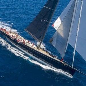 Alla deriva per una tempesta lo yacht di Loro Piana, imprenditore del cachemire