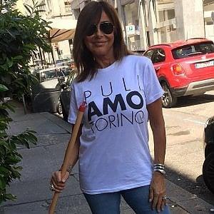 """""""Torino è sporca, ci pensiamo noi a pulirla con scope e senso civico"""""""