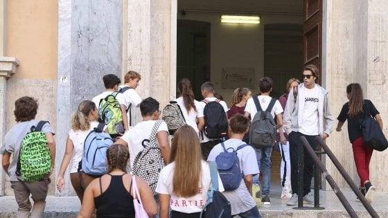 Si restringe la scuola torinese: a settembre 1800 alunni in meno