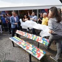 Inaugurate le panchine arcobaleno per il Torino Pride