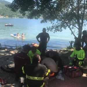 Non ce l'ha fatta il ragazzino annegato nel lago di Avigliana: morto in ospedale
