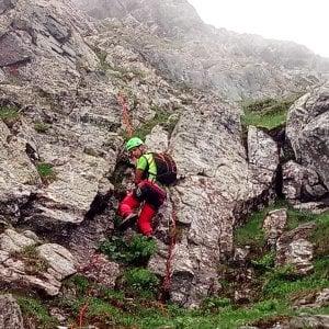 Valli di Lanzo: 4 escursionisti bloccati in quota da una frana, soccorsi dopo una notte all'addiaccio