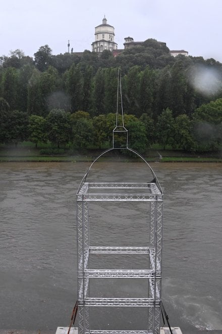 Nubigrafi record, a luglio il Po a Torino si veste da novembre
