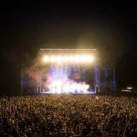 Polemiche per il concerto di Ramazzotti a Stupinigi: centinaia di persone